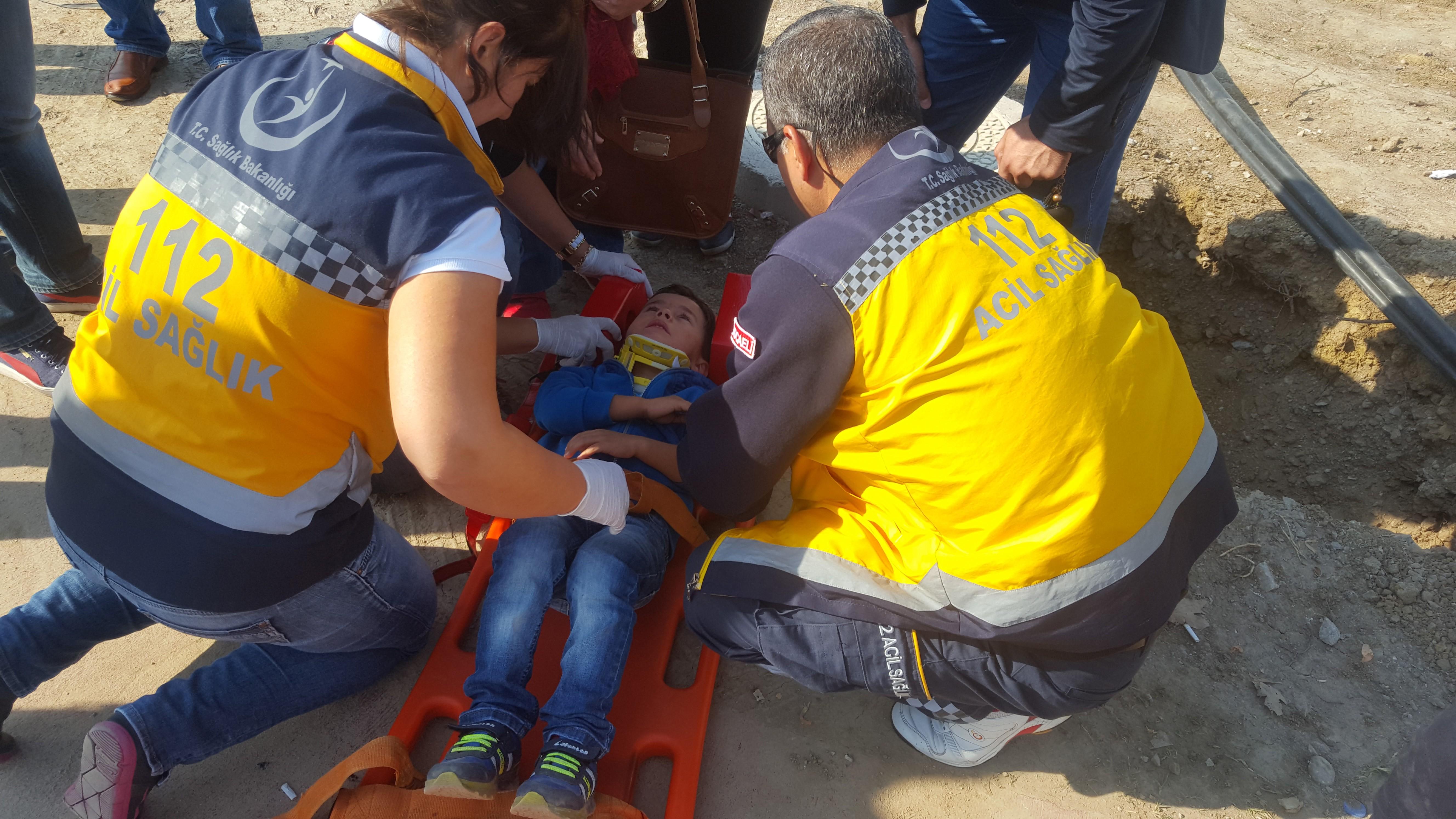 Kazada yaralanan 6 yaşındaki çocuk gözyaşlarına boğuldu