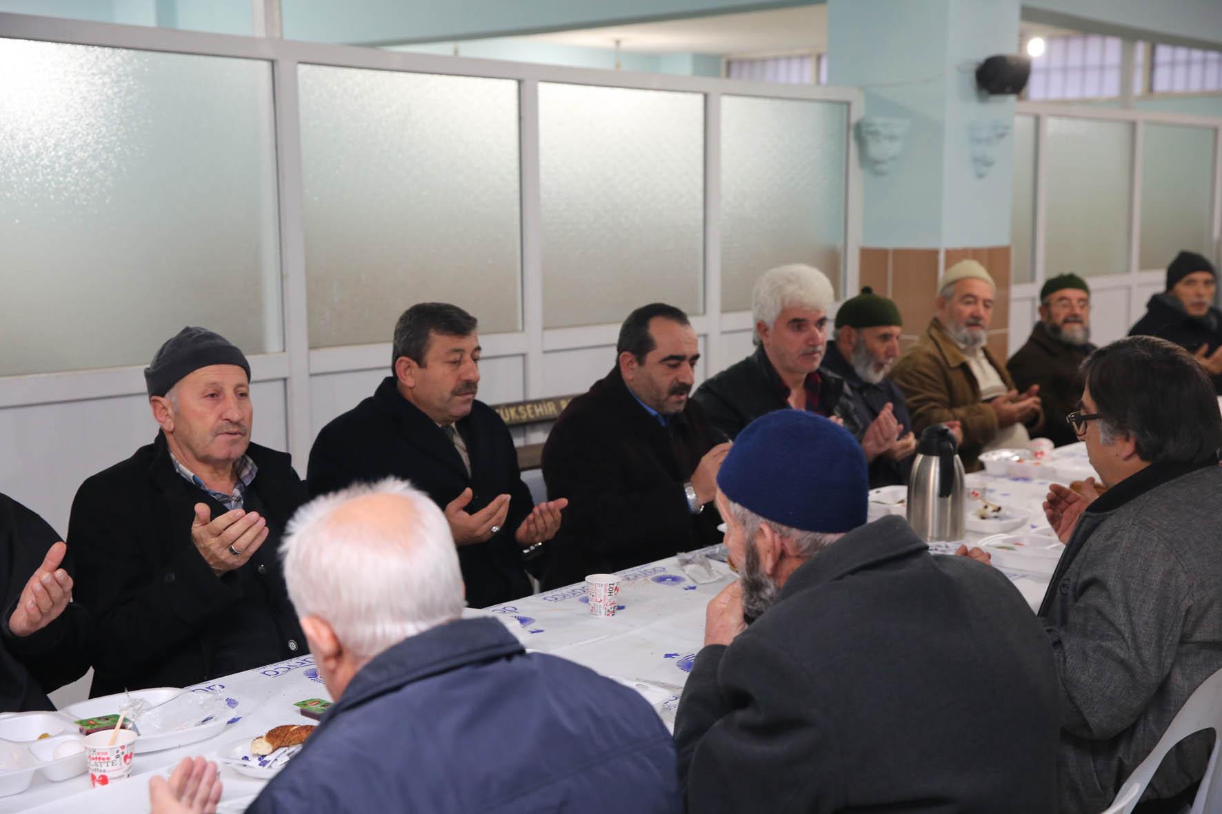 Başkan Karabacak Vatandaşla Gündemi Değerlendirdi
