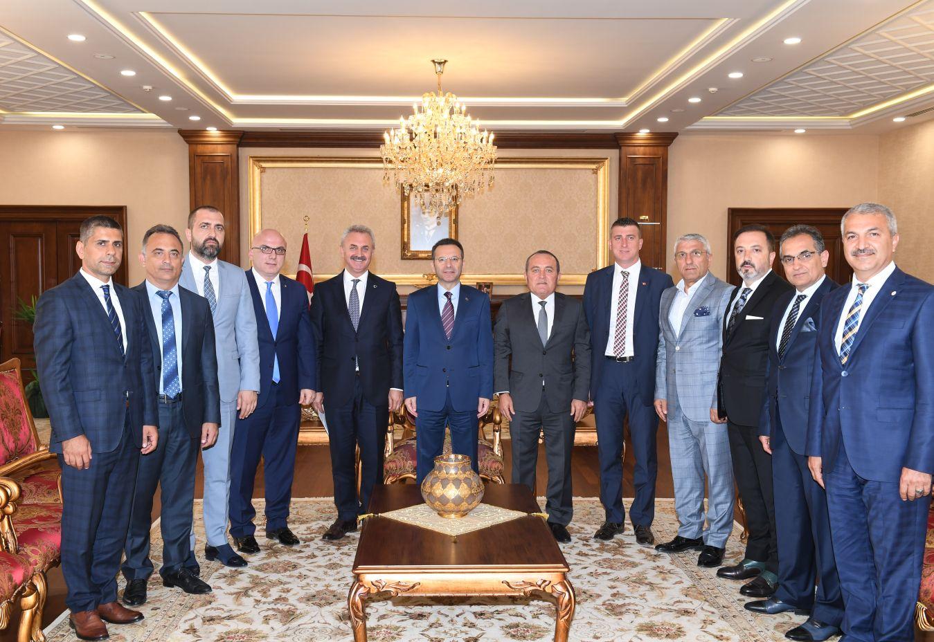 Gebze Ticaret Odası Heyeti, Kocaeli  Valisi Sn. Hüseyin Aksoy'u Ziyaret Etti