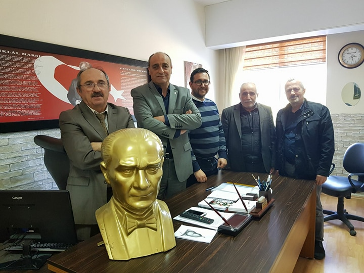 CHP Gebze'den Kargalı İlköğretim'e Atatürk Büstü