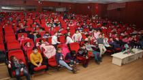 """Çayırova Belediyesi  """" Tarih Dedem"""" İsimli Tiyatroyu Çocuklarla Buluşturdu"""