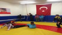 Çayırova Belediyesi Sporla Engelleri Kaldırıyor