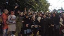 AK Kadınlar tam kadro kongrede
