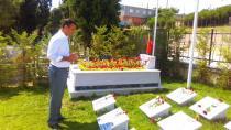 Törk Edip Zengin'in Kabrini Ziyaret Etti.