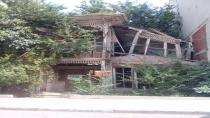 Yıkılma tehlikesi olan bina koruma altına alındı