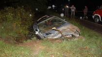 Otomobil su kanalına uçtu: 5 yaralı