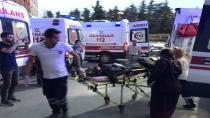 Traktör devrildi, baba ile oğlu yaralandı