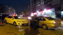 Alkollü sürücü karşı yönden gelen otomobile çarptı: 1 yaralı