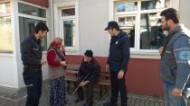 Gebze Zabıtası Müsamettin Amca'nın  yardımına koştu