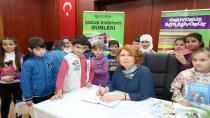 Çayırova Belediyesi Çocuk Edebiyat Günleri'nin Konuğu Şeniz Baş Öğrencilerle Buluştu