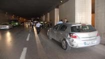 Kazayı görüp yavaşlayan otomobile arkadan gelen araçlar çarptı