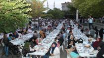 İki mahalleyi buluşturan iftar