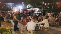 CHP'nin ikram çadırı dolup, taşıyor