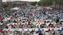 Gebze'de binler iftarını meydanda açtı