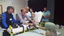Yürüyemeyen seçmenler ambulansla sandığa getirildi