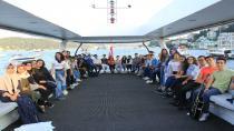 Hedef gelecek öğrencileri istanbul'u denizden keşfetti