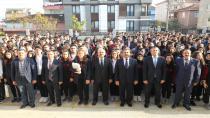 Başkan Büyükgöz ve Kaymakam Güler FSM Lisesi'nde Bayrak Törenine Katıldı
