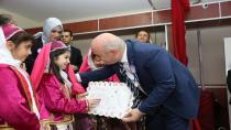 Başkan Bıyık Darıcalı öğrencilerin karnelerini dağıttı