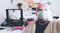 GTÜ öğrencisi sağlıkçılar için yüz siperliği üretti