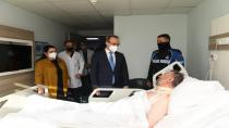 Yavuz Çifti,Yangında Yaralanan Hastaları Ziyaret Ettiler